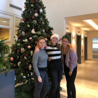Het team van Infinity Marketing wenst iedereen een hele fijne kerst! 🎄❤️ Groetjes Chantal, Natascha en Manon!