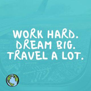 Work hard. Dream big. Travel a lot. 💻💭✈️ Wisten jullie dat wij helemaal gek zijn op reizen? Misschien kon je het al een beetje zien aan ons logo, maar wij zijn dus helemaal verslaafd op reizen, van jongs af aan al. Met ons bedrijf kunnen wij overal ter wereld werken en dat is iets wat wij dan ook maar al te graag doen (nu niet helaas vanwege Corona).🙁 Wisten jullie dat wij Infinity Marketing startte en toen een paar maanden daarna samen op wereldreis gingen.🙈 Dit was niet getimed... Maar uiteindelijk hebben we het wel gewoon gedaan. Werken in Azië, Australië, Nieuw-Zeeland en ook natuurlijk wel genieten hoor!🏝 #infinitymarketing #infinitytravelling #travelling #travel #world #thinkbig #quote #thursday #marketing
